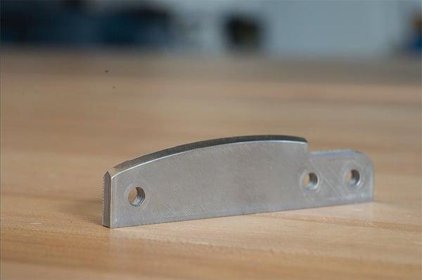 bords-acier-outils-D2-1